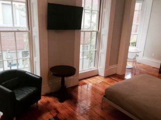Complete Studio Apartment With Kitchenette in Beacon Hill Neighborhood, Boston