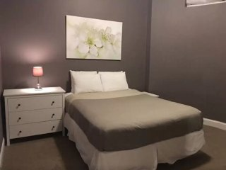 Vibrant 2 Bedroom Apartment in Boston - Fully Furnished