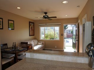 Furnished 1-Bedroom Townhouse at Delaware Ave & Dorchester Ave Santa Monica