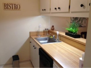 Spacious, Clean and Beautifully Furnished 2 Bedroom Apartment, Menlo Park