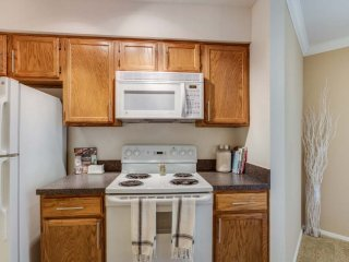 Furnished 2-Bedroom Apartment at Lincoln Meadows Dr & Aster Dr Schaumburg