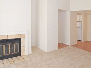 CHARMING AND FURNISHED 2 BEDROOM, 1 BATHROOM APARTMENT, Belmont