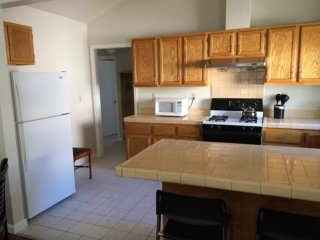 2 Bedroom Duplex In Great Location, Redwood City