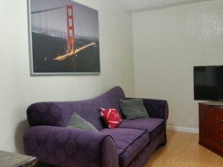 Furnished 1-Bedroom Apartment at Scott St & Clifton Ave San Jose, San José
