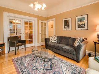 Furnished 3-Bedroom Apartment at 20th St & Collingwood St San Francisco, Forest Knolls