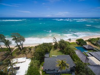 Moani Kaiolohia - Beachfront/Jacuzzi/Sport Court/Perfect for Large Families!