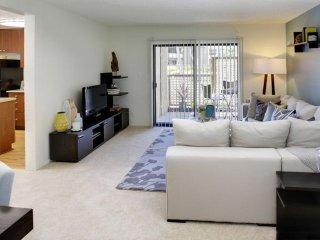 Elegant and Comfortable 2 Bedroom Apartment, Costa Mesa