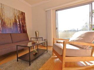 Furnished 1-Bedroom Apartment at Washington Ave & 9th St Santa Monica, Santa Mônica