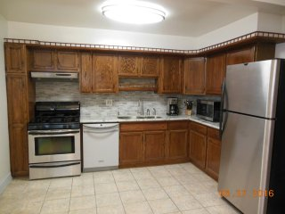 Furnished 2-Bedroom Apartment at San Jose Ave & Oak St Alameda