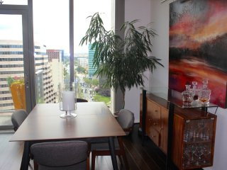 Furnished 2-Bedroom Condo at W Santa Clara St & N Almaden Blvd San Jose, San José