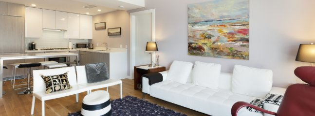 Furnished 2-Bedroom Condo at Gough St & Ivy St San Francisco