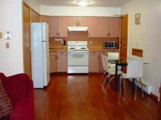 Furnished 2-Bedroom Apartment at Banks St & Surrey St Cambridge