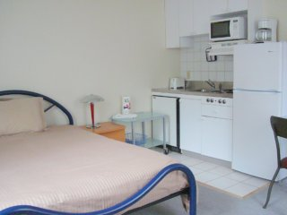 Clean and Modern Studio Apartment, Cambridge