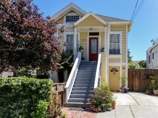 Furnished 2-Bedroom Duplex at Pacific Ave & Benton St Alameda