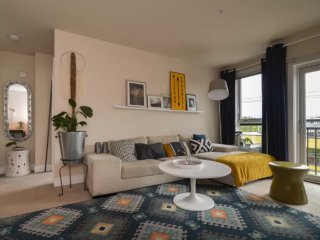 Furnished 1-Bedroom Apartment at 10th Ave E & E John St Seattle