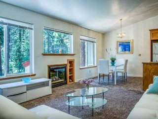 Clean and Spacious 3 Bedroom Apartment, South Lake Tahoe