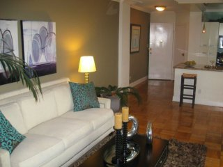 Furnished 2-Bedroom Apartment at W 3rd St & The Grove Dr Los Angeles, Los Ángeles