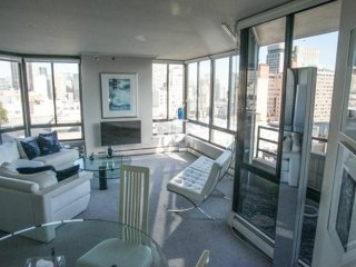 Furnished 1-Bedroom Condo at Bush St & Taylor St San Francisco