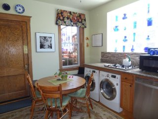 Furnished 4-Bedroom Apartment at W Potomac Ave & N Greenview Ave Chicago