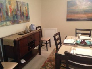 Furnished 3-Bedroom Condo at Dartmouth Rd & Skyhill Rd Alexandria