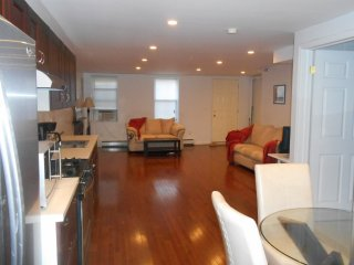 Furnished 2-Bedroom Townhouse at Halsey St & Throop Ave Brooklyn, New York City