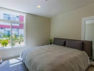 Furnished 1-Bedroom Apartment at N Los Robles Ave & E Union St Pasadena