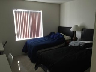 Furnished 2-Bedroom Apartment at Midvale Ave & Ophir Dr Los Angeles, Los Ángeles