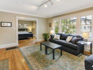 Furnished 2-Bedroom Duplex at M.L.K. Jr Way & Berryman St Berkeley