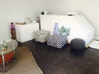 Furnished Studio Apartment at Zelzah Ave & Kittridge St Los Angeles, Bell Canyon