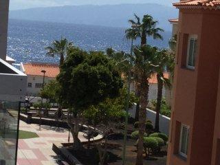 Precioso apartamento con vistas al mar, cerca de la playa, Playa San Juan