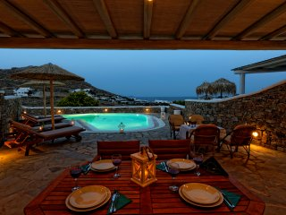 Traditional Property with Private Pool & Sea View, Città di Mykonos