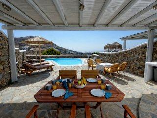 Modern Property with Private Pool & Sea View, Ciudad de Míkonos