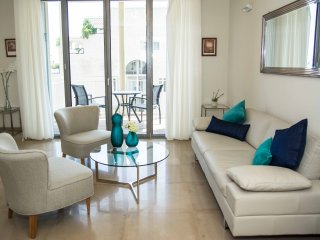 Mamilla 3 bedrooms - great family rental!, Jerusalém