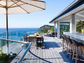 AMAROO - Contemporary Hotels, Whale Beach