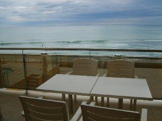 terraza con vistas frontales al mar