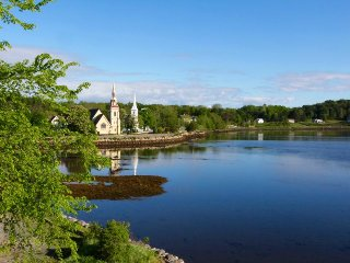 #4 Heisler House Haven, Mahone Bay  NS