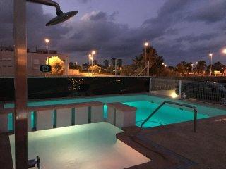 Casa nueva en primera linea de playa con piscina, Almenara