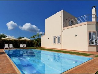 Modern Villa with 3 bedrooms in Gerani