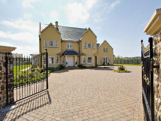 Luxury villa with beach & golf nearby, Dirleton