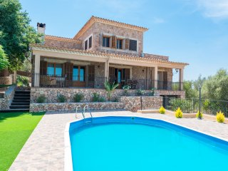 SES COVES - Villa for 6 people in Santa Eugenia