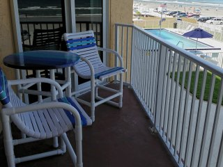 Mellow Mermaid Oceanfront Suite-Oceania Beach Club