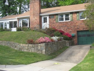 Convenient private home on cul-de-sac, Bethesda