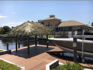 Villa mit neuer Poolanlage & Dock, optional Boot, Cape Coral