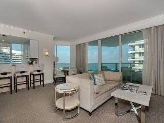Fontainebleau Gorgeous 1 Bdrm Oceanview + Parking, Miami Beach