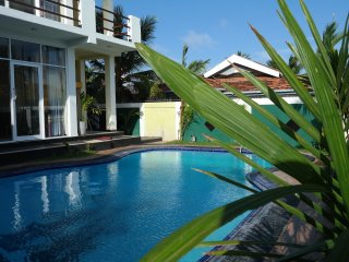 2 apartment with balcony and pool viwe, Negombo