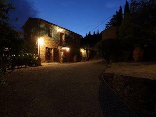 Borgo Dolci Colline Ziraia
