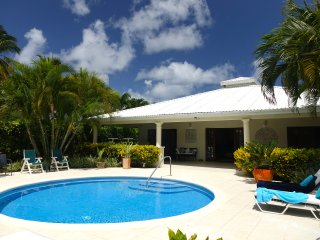 Wonderful West Coast Villa - 5 mins walk 2 beaches, Gibbes
