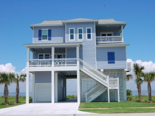 Spectacular Bayfront House in Pointe West, Galveston