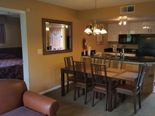 Orlando apartment close to Sea World & Theme Parks