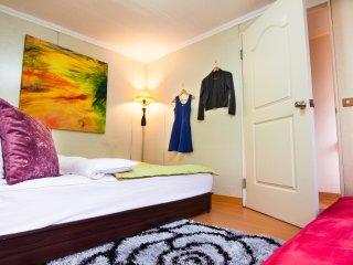 Q HOUSE-3BD CentralTPE-nearMRT&Nightmarket-COZY, Taipéi